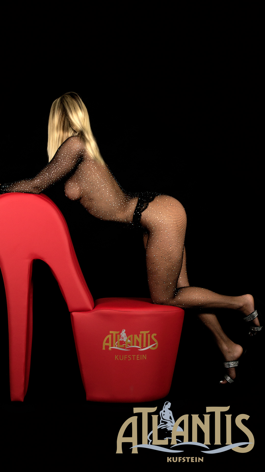 Corina roter Stuhl
