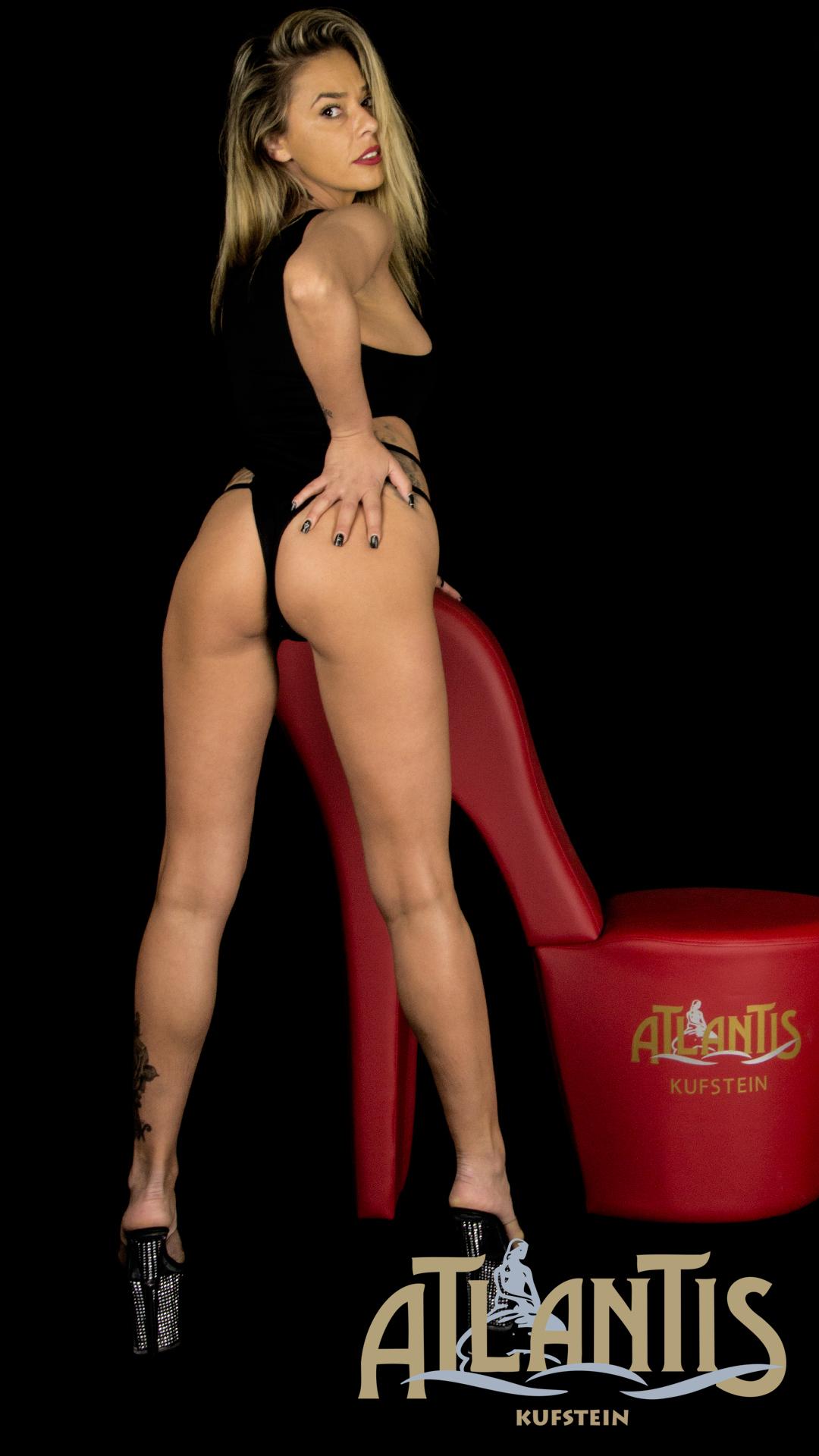 Ana die schlanke Atlantis Lady