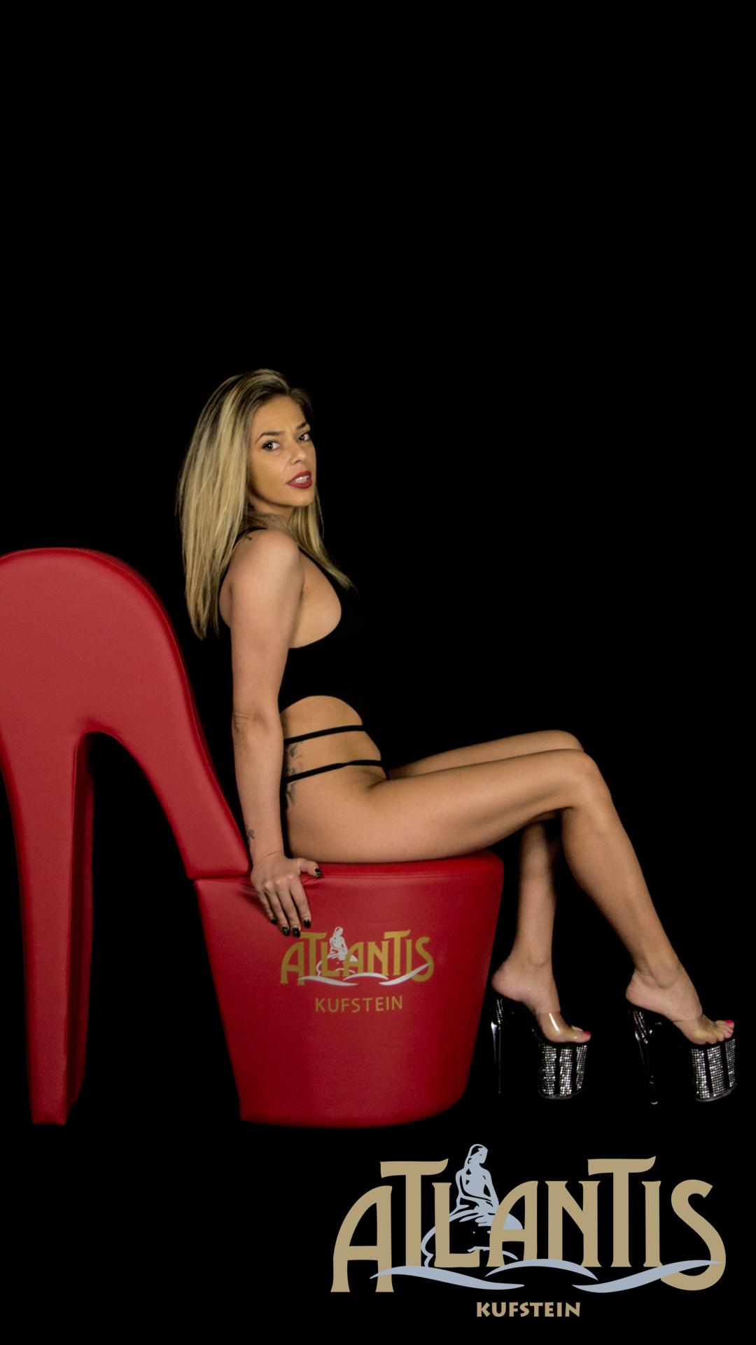 Ana die große schlanke Atlantis Lady